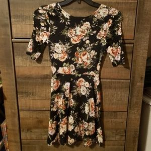 Rue21 Dresses - Rue21 Small Flower Dress.